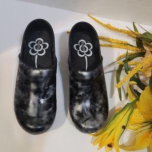 Sanita slip resistant clogs,  shoes sz36